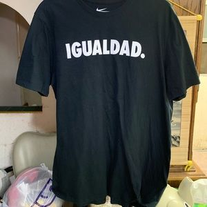 Nike Igualdad Equality T Shirt Size XL